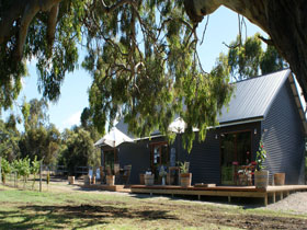 No. 58 Cellar Door  Gallery - Accommodation Redcliffe