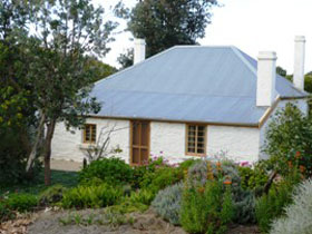 dingley dell cottage - Accommodation Redcliffe