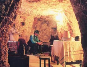 Umoona Opal Mine And Museum - Accommodation Redcliffe