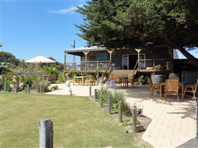 Rustic Blue - Accommodation Redcliffe