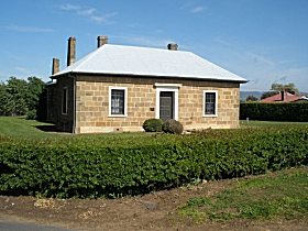 Oatlands Court House - Accommodation Redcliffe