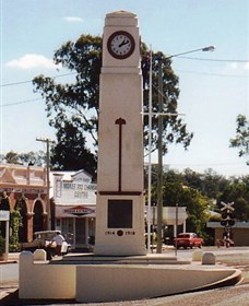 Goomeri War Memorial Clock - Accommodation Redcliffe