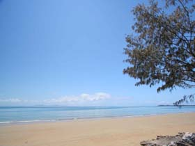 Blacks Beach - Accommodation Redcliffe