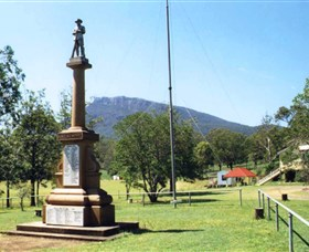 Maroon State School War Memorial - Accommodation Redcliffe