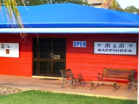 M and M Sapphires - Accommodation Redcliffe