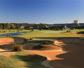 Eagle Ridge Golf Course - Accommodation Redcliffe