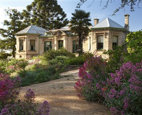 Buda Historic Home  Garden - Accommodation Redcliffe