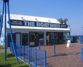 Innes Boatshed - Accommodation Redcliffe