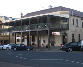 The Family Hotel - Accommodation Redcliffe