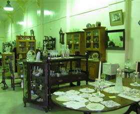 Glenleigh Antiques - Accommodation Redcliffe