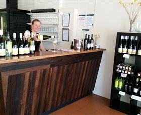Billy Button Wines - Accommodation Redcliffe
