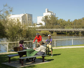 Avon River - Accommodation Redcliffe