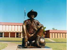 Cunnamulla Fella - Accommodation Redcliffe
