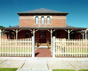 Wentworth Courthouse - Accommodation Redcliffe