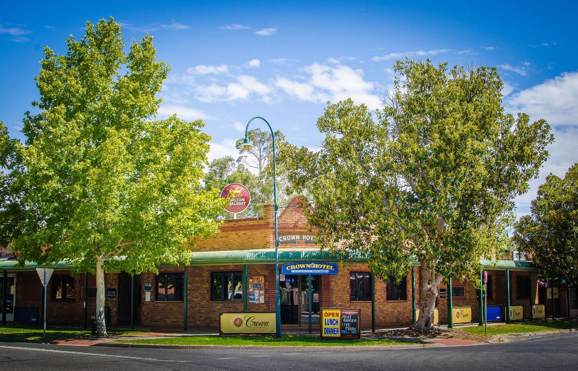 Crown Hotel Wentworth - Accommodation Redcliffe