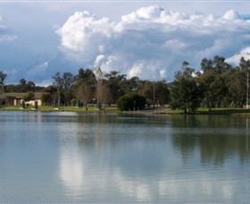 Gum Bend Lake - Accommodation Redcliffe