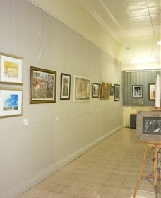 Outback Arts Gallery - Accommodation Redcliffe