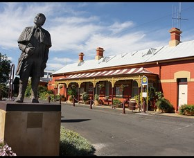 Forbes Railway Arts and Visitor Information Centre - Accommodation Redcliffe