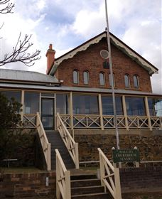 Historic Buildings Walking Tour - Accommodation Redcliffe