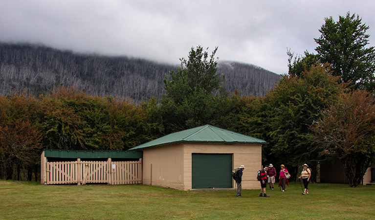 Bullocks Hut - Accommodation Redcliffe