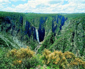 Wollomombi Falls - Accommodation Redcliffe