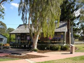 Hay Cottage Arts and Crafts Association Incorporated - Accommodation Redcliffe