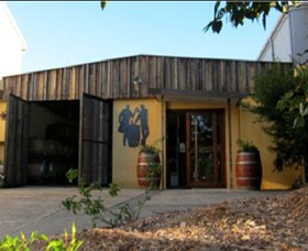 Inner City Winemakers - Accommodation Redcliffe