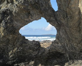 Glasshouse Rocks and Pillow Lava - Accommodation Redcliffe