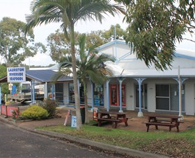 Laurieton Riverside Seafoods - Accommodation Redcliffe