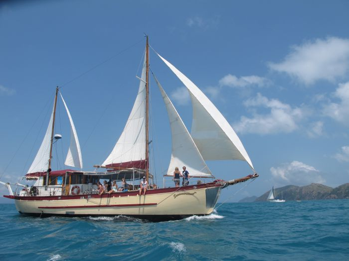 Adventure Cruise Dive and Outer Reef - Whitsundays Sailing Adventures - Accommodation Redcliffe