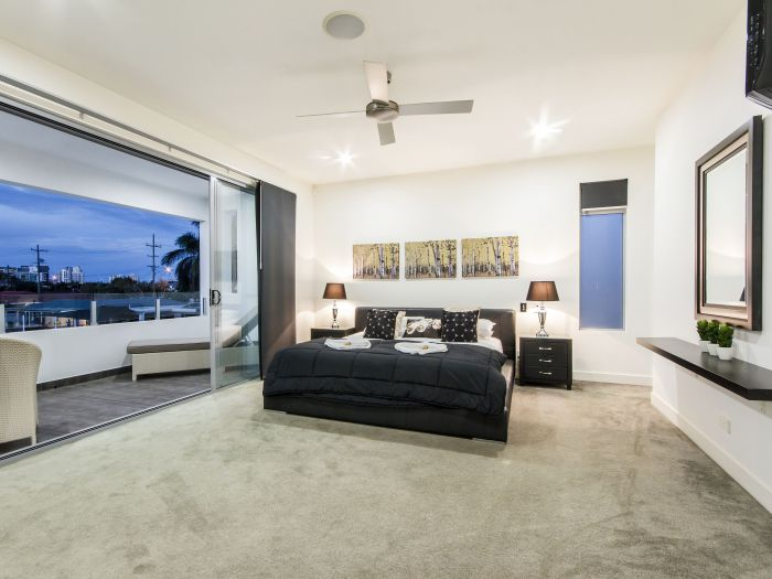 The Grand Broadbeach - Vogue Holiday Homes - Accommodation Redcliffe