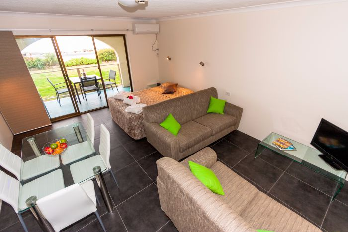 Edgewater Gardens - Accommodation Redcliffe