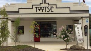 Tootsie Fine Art and Design - Accommodation Redcliffe
