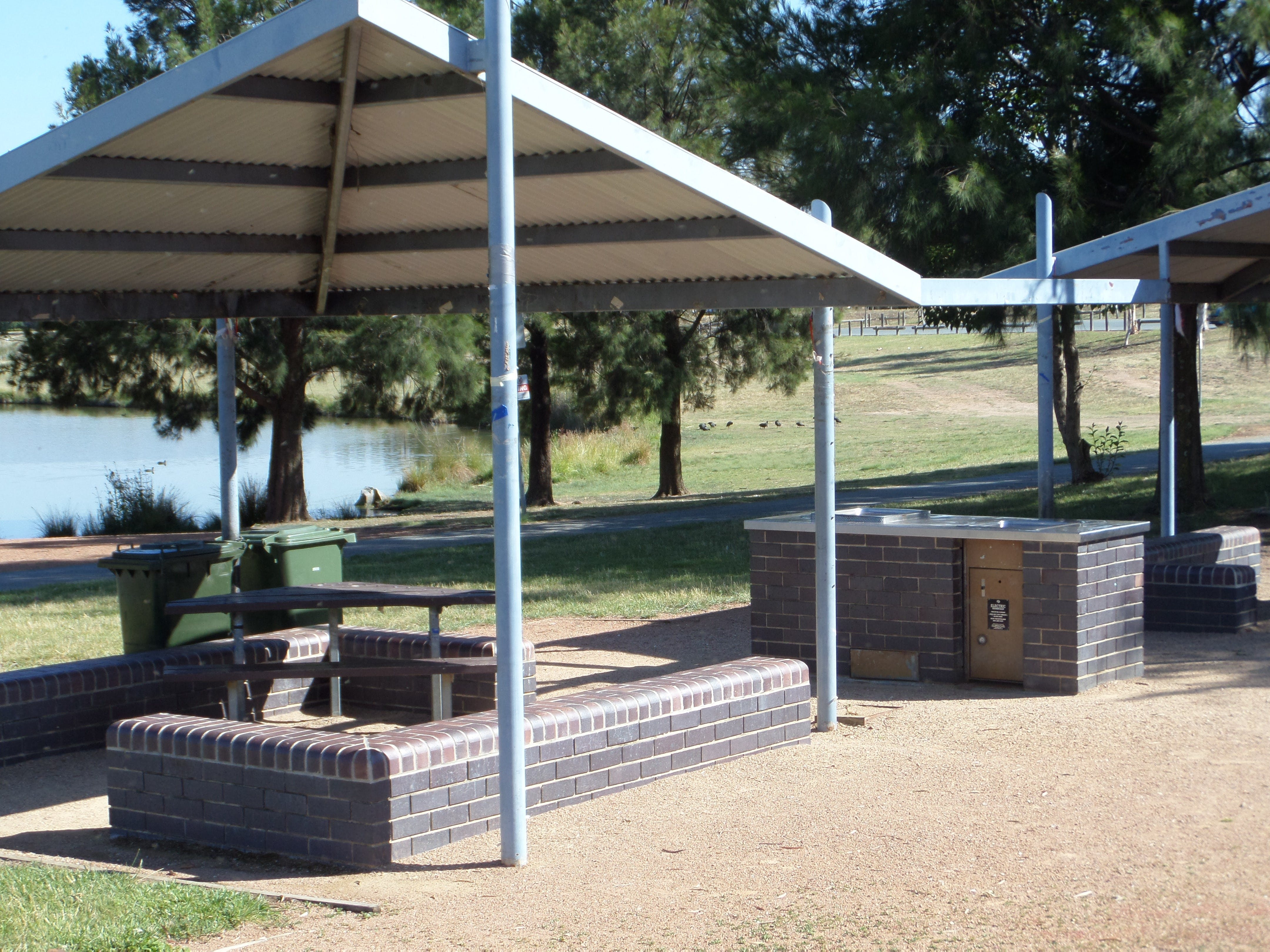 Point Hut Pond Park - Accommodation Redcliffe