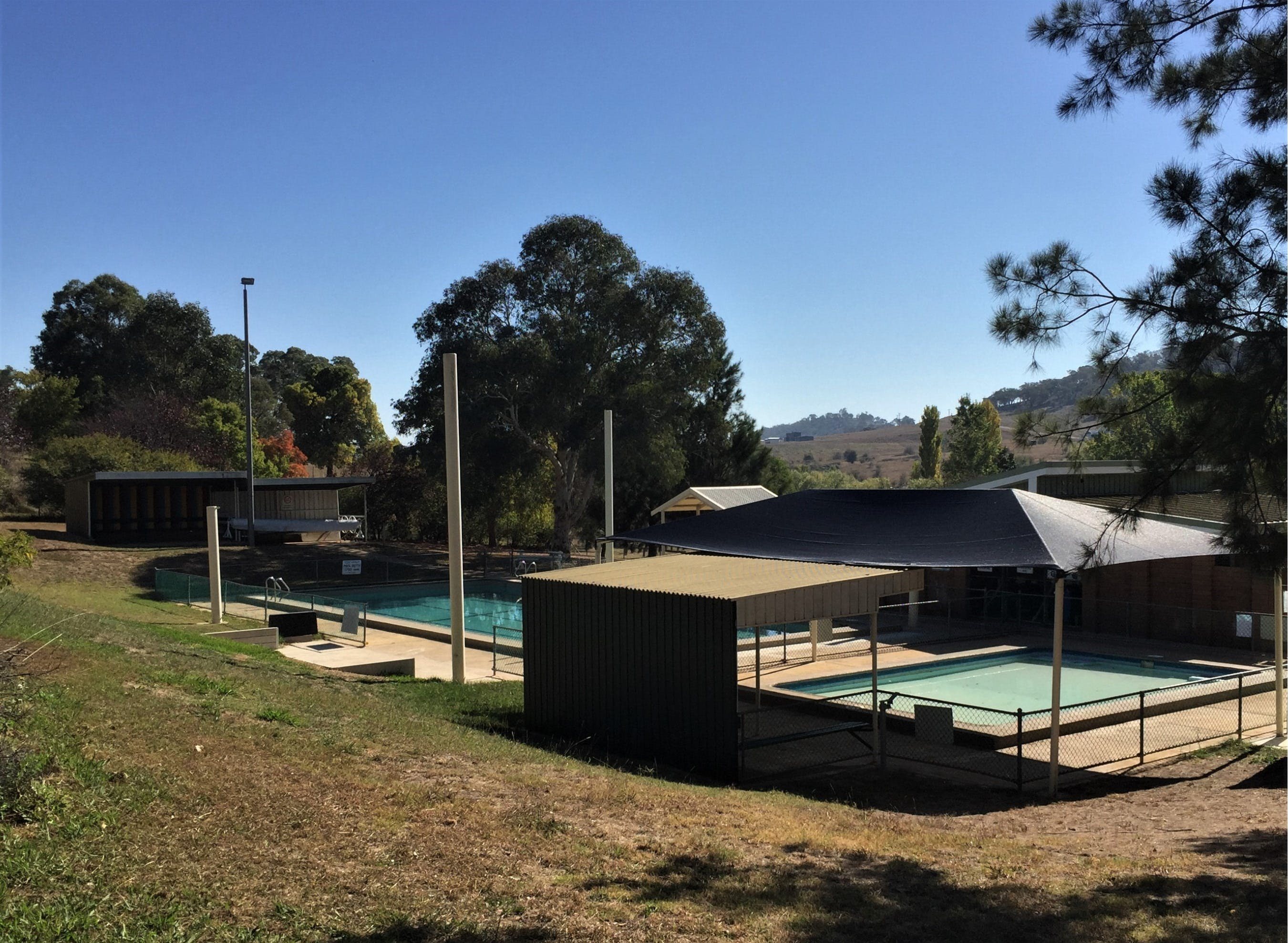 Gunning Pool - Accommodation Redcliffe