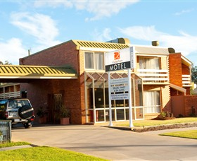 cluBarham - Accommodation Redcliffe
