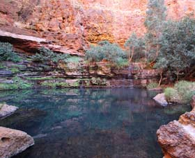Gorge Rim Walk Dales Gorge - Accommodation Redcliffe