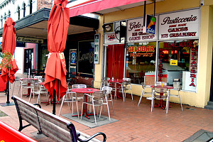 Gelobar - Accommodation Redcliffe