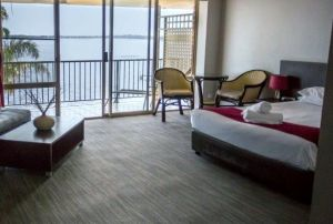 The Beachcomber Hotel - Accommodation Redcliffe