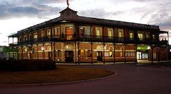 The Grand Terminus Hotel - Accommodation Redcliffe
