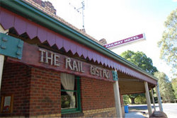 Railway Hotel - Accommodation Redcliffe