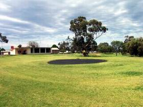 Cleve Golf Club - Accommodation Redcliffe
