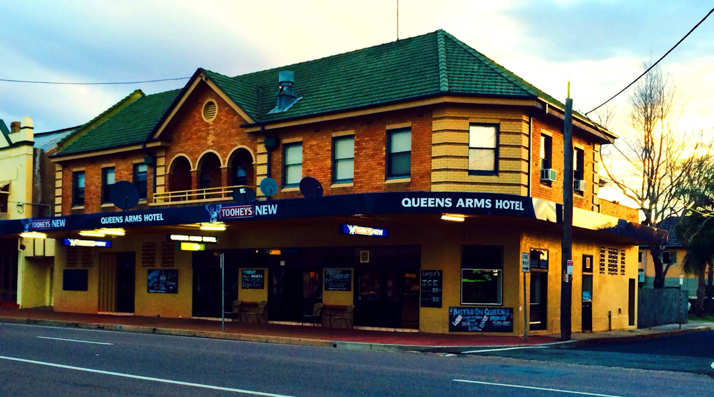 Queens Arms Hotel - Accommodation Redcliffe
