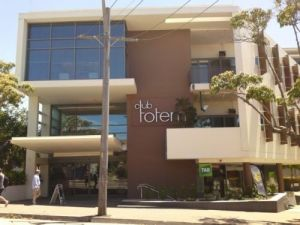 Club Totem - Accommodation Redcliffe