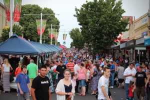 Cowra Christmas Street Festival - Accommodation Redcliffe