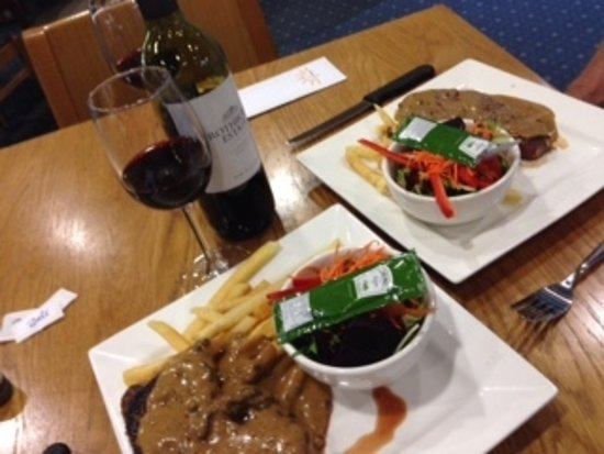 Diggers Bistro - Accommodation Redcliffe