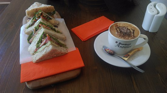 Michaels Cafe - Accommodation Redcliffe