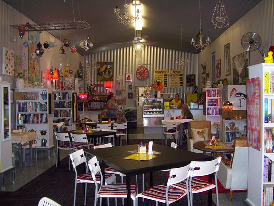 Noelene's Book Cafe - Accommodation Redcliffe