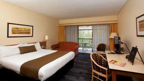 Alice Springs ResortMercure - Accommodation Redcliffe