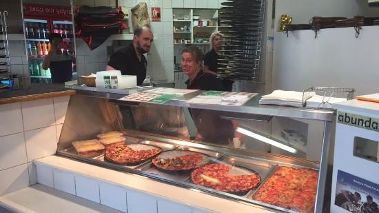 Rocky's Pizza - Accommodation Redcliffe